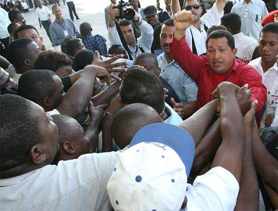 Hugo Chavez à la rencontre du peuple haïtien.