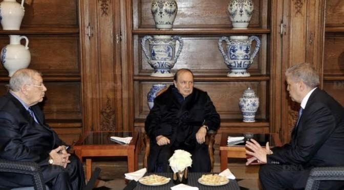 En Algerie, la maladie du Président sclérose la communication defaillante