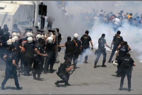turcque-émeutes3