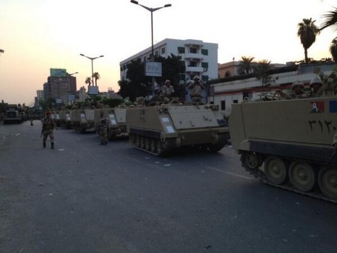 L'armée égyptienne dans les rues du Caire