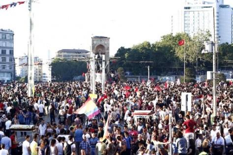 Protestations dans Gezi Park.