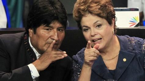 Le Président bolivien Evo Morales et son homologue brésilien Dilma Rousseff (Reuters / Jose Gomez)