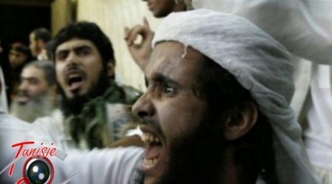 Des milliers de terroristes fuient la Syrie pour regagner la Tunisie (vidéo)