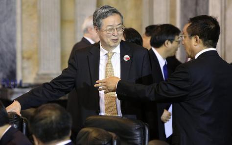 Zhou Xiaochuan, directeur de la banque centrale chinoise, pilote une politique visant à assoir la stabilité du yuan en s'appuyant sur le stock d'or.     Reuters