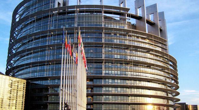 Parlement européen : le bal des faux-culs