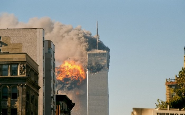 UA_Flight_175_hits_WTC_south_tower_9-11