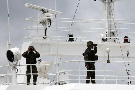 601671-france-somalia-piracy-shipping-seychelles