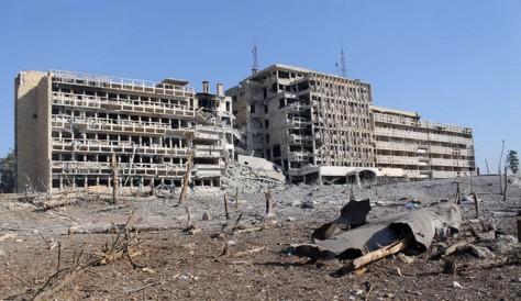 un-hopital-detruit-lors-de-combats-a-alep-dans-le-nord-de-la-syrie-le-21-decembre-2013_4646864