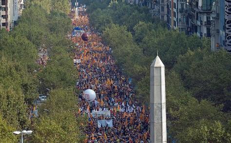 Manifestation pour l'indépendance qui a réuni des centaines de milliers de personnes à Barcelone en 2012 La manifestación por la independencia de Catalunya, en imágenes - Diada 2012 - El Periódico