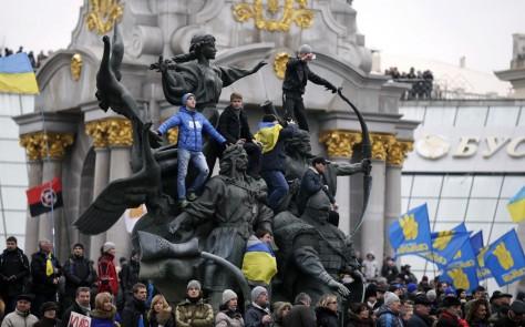 Depuis quand les révolutions sont-elles soutenues par l'impérialisme ? (ici : place Maidan, Kiev).
