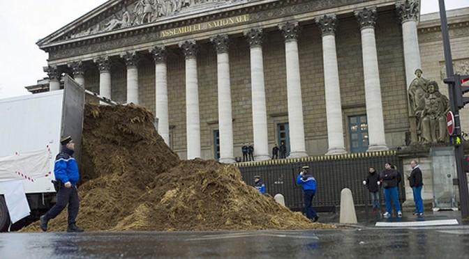 « Une France en passe d'exploser » – Valeurs Actuelles