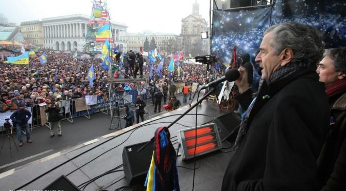 Après avoir raté son coup en Algérie et en Syrie, BHL s'attaque à l'Ukraine.