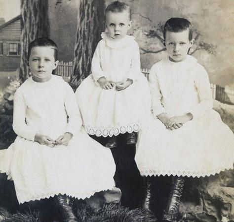 Des jeunes garçons du début du XXè siècle.