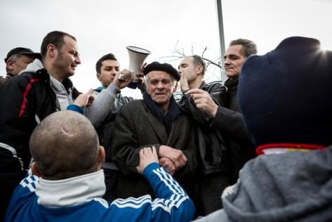 Les manifestants cette semaine à Sarajevo, la capitale, l'une des dizaines de villes à travers la Bosnie, où les frustrations longtemps accumulées vis-à-vis du gouvernement ont éclaté. Photo Ziyah Gafic pour le New York Times