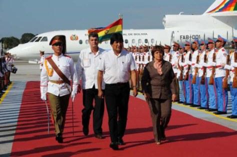 Dilma Roussef (Brésil) et Evo Morales (Bolivie) à leur arrivée à Cuba.