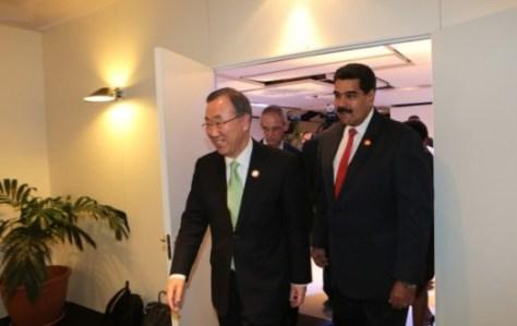 Le président Maduro (Venezuela) accompagné du Secrétaire Général de l'ONU Ban Ki-Moon, lui aussi présent au sommet de la CELAC.