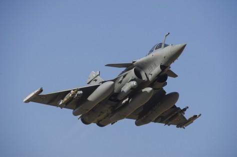 (Photo: Avion RAFALE au-dessus du MALI en février 2013 / Ministère de la Défense)